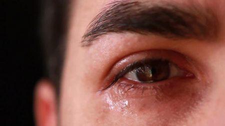 بالصور صور عيون حزينه , مهما الزعل ملئ العين تبقي برضة جميلة 2337 4
