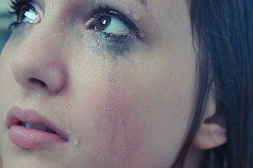 بالصور صور عيون حزينه , مهما الزعل ملئ العين تبقي برضة جميلة 2337 9