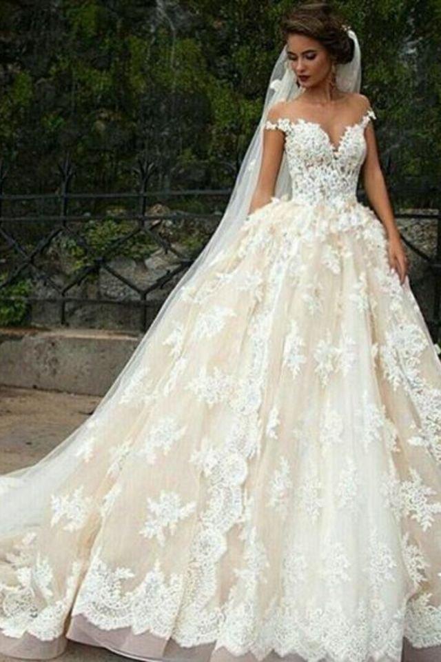 صوره صور فساتين عرايس , افرحي يا عروسة و هيصي لجمال فستانك