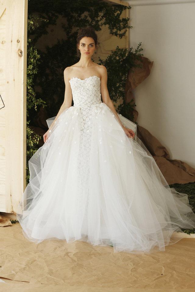 بالصور صور فساتين عرايس , افرحي يا عروسة و هيصي لجمال فستانك 2344 9