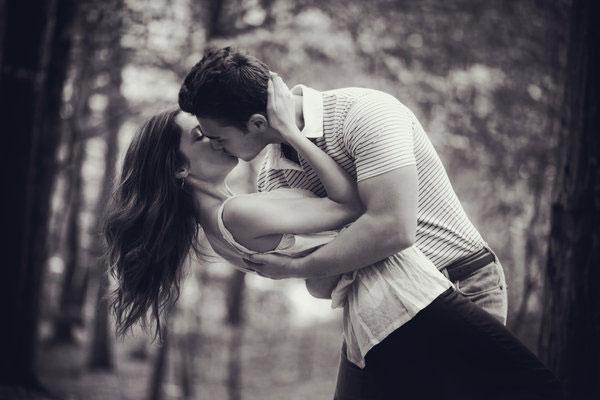 صوره صور بوس واحضان , لكل العشاق بوستات رومانسية