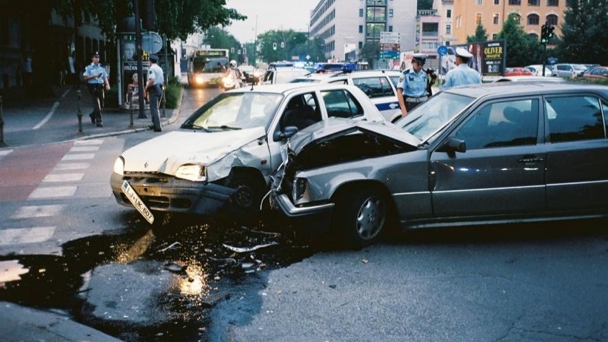 بالصور صور حوادث سيارات , احترس من الطريق 1991 2